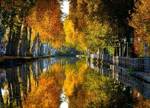 Canal du Centre, Bourgogne, France