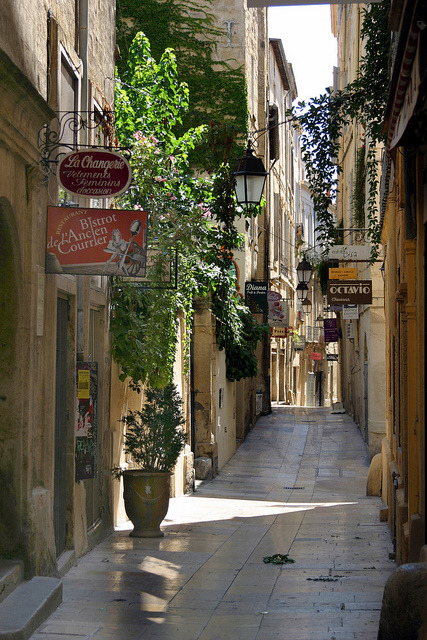Rue de l'Ancien Courrier, the oldest street in Montpellier, France