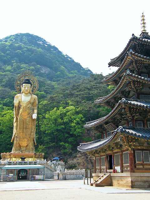Beopjusa Temple in in the province of Chungcheongbuk-do, South Korea