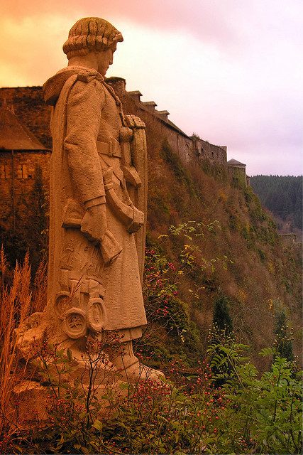 Statue of Godefroid de Bouillon looking towards Bouillon Castle, Belgium