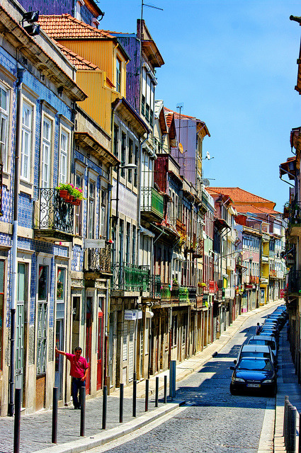Rua de Sol in Porto, Portugal