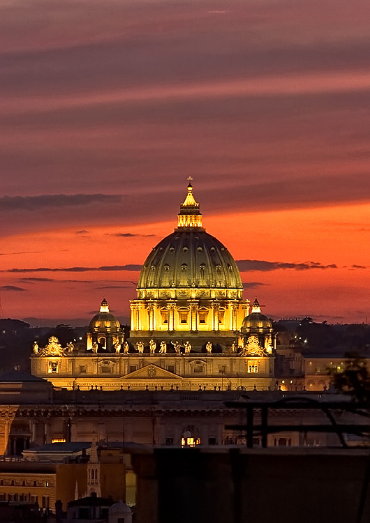Sunset over Basilica di San Pietro, Vatican