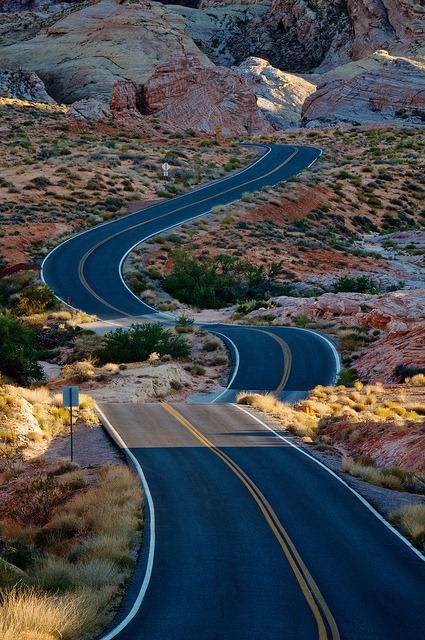 Ribbon of Adventure, Valley of Fire State Park, Nevada, USA