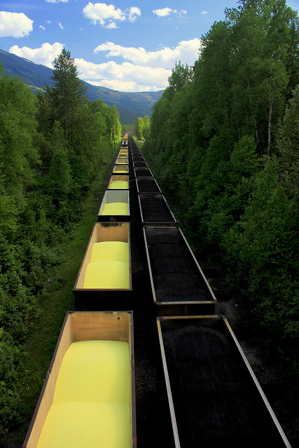 Freight trains encounter, British Columbia / Canada